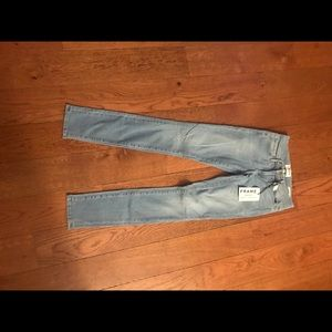 new with tags FRAME skinny jeans